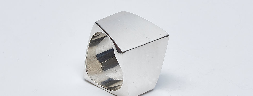 Trapezoid Square Ring
