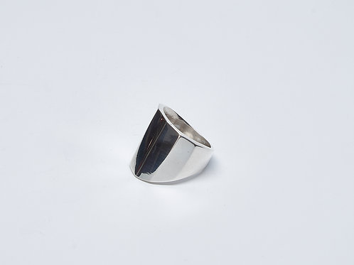 Tapered Ridged Ring