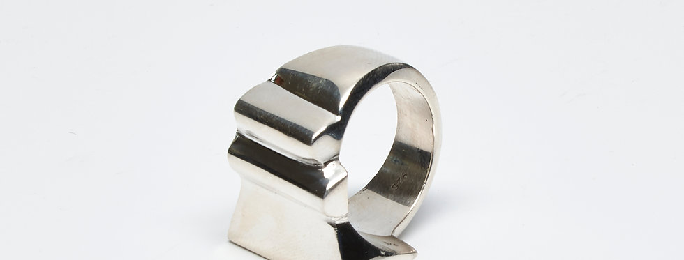 Asymmetrical Solid Ridged Ring