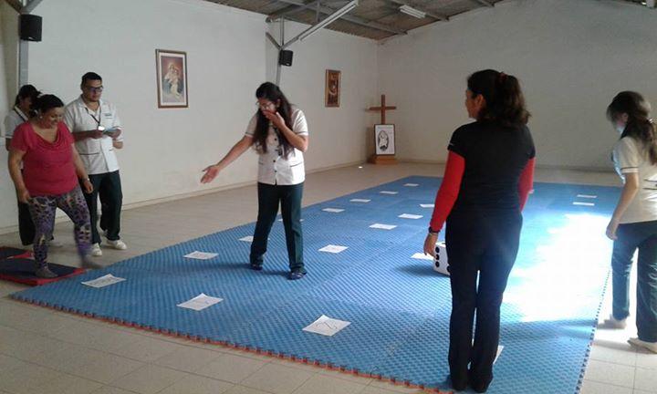 Taller impartido por la profesional Andrea Yañez de CFT Santo Tomás