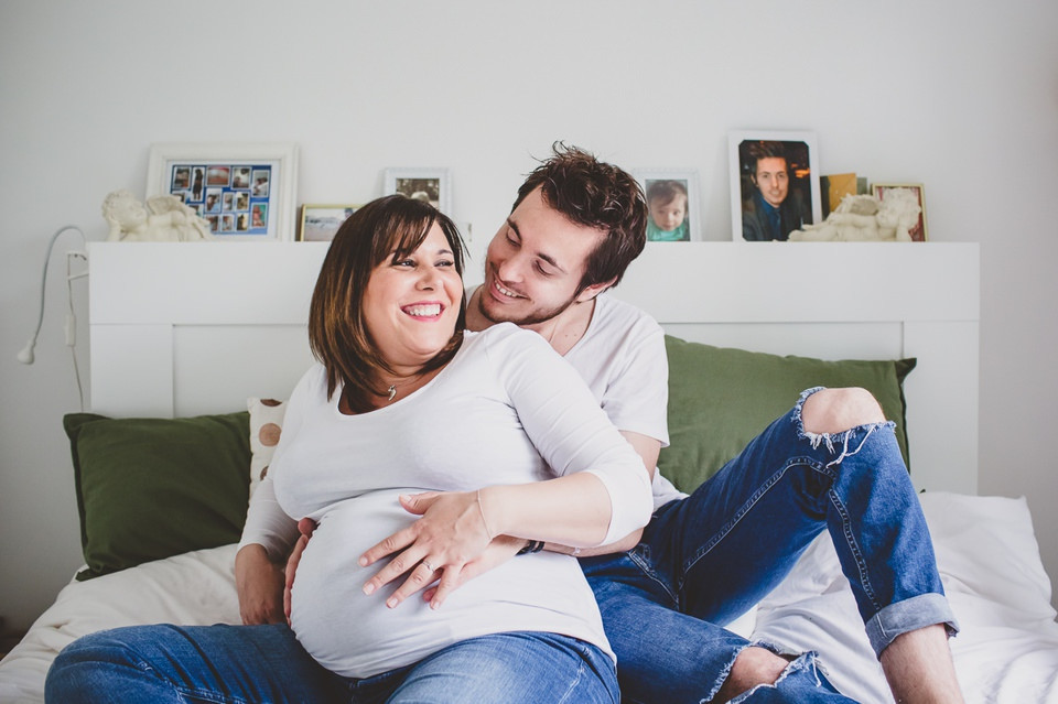 séance photo grossesse couple Fontenay-sous-Bois 94 domicile - Photographe grossesse Paris