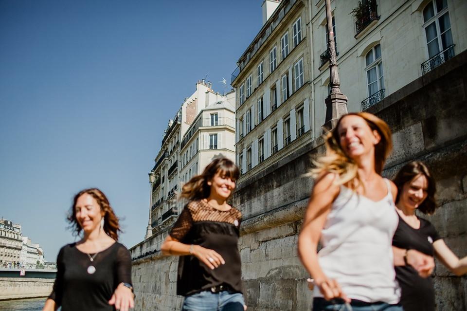 séance photo evjf paris île de la cité