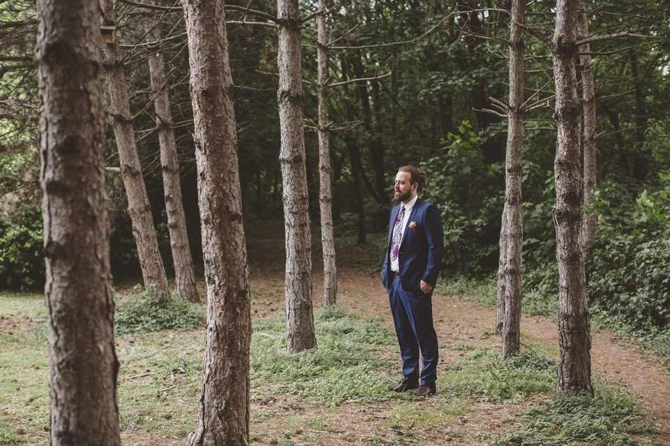 photographe mariage intime Paris portrait marié dans les bois