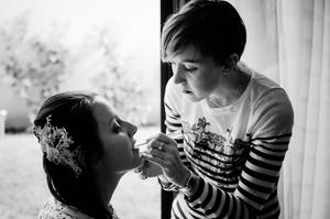 Photo mariage Montreuil maquillage de la mariée