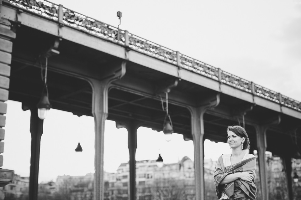 photographe séance photo portrait femme Paris pont bir hakeim