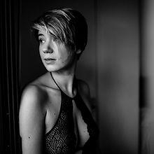 portrait-moment-intime-femme-paris-m-car