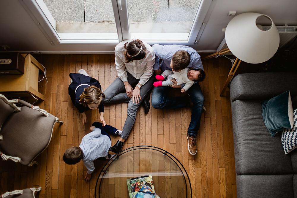séance photo famille bébé domicile - photographe paris