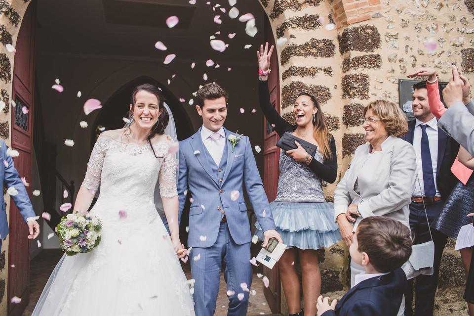 mariage domaine des evis perche cérémonie religieuse sortie église