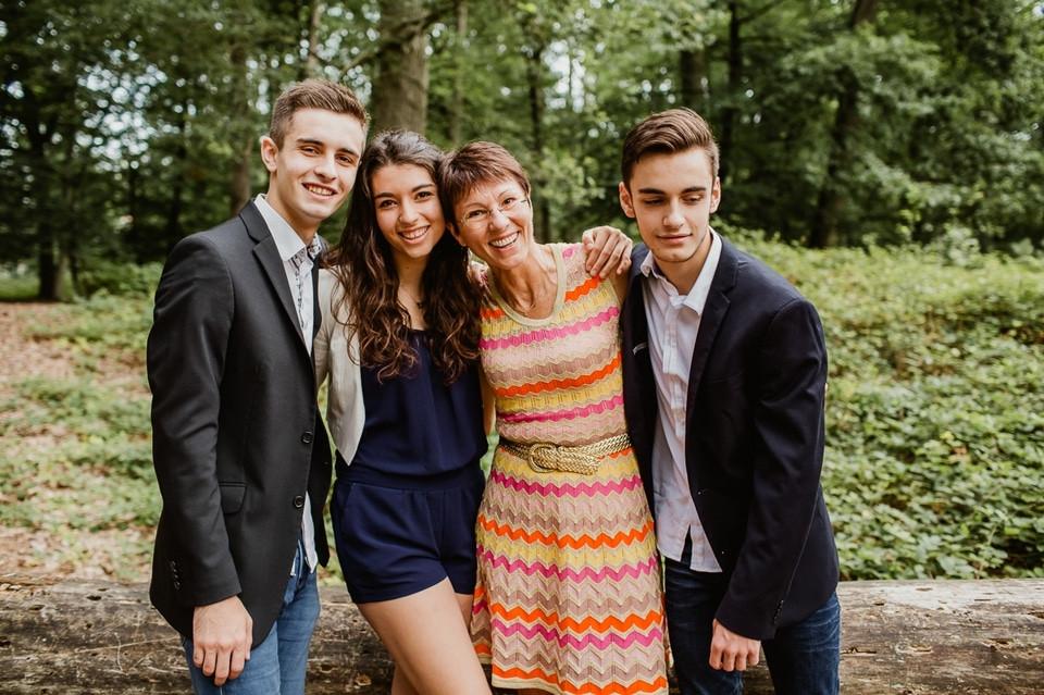 seance-photo-famille-grand-mere