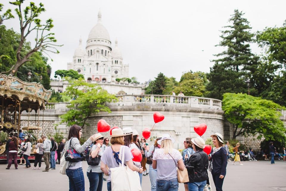 Séance photo EVJF à Montmartre, Paris retrouvailles