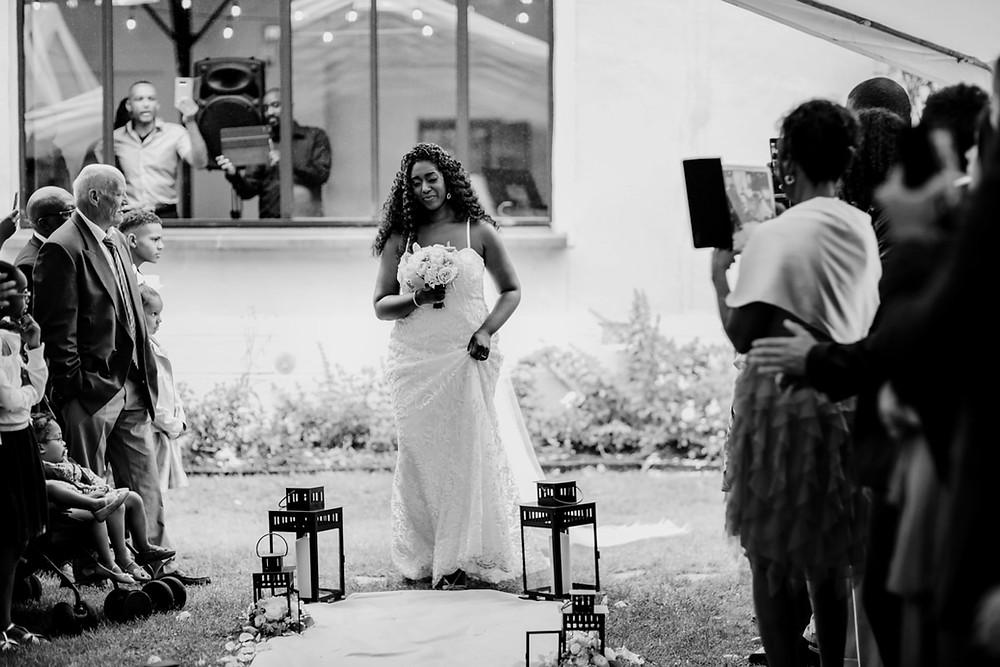Photographe mariage Paris - Cérémonie laïque arrivée de la mariée