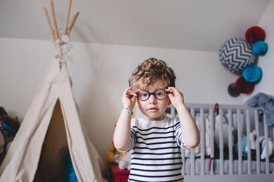 Séance photo en famille à domicile, dans la chambre des enfants - Antony 92 - Carole J. Photographie