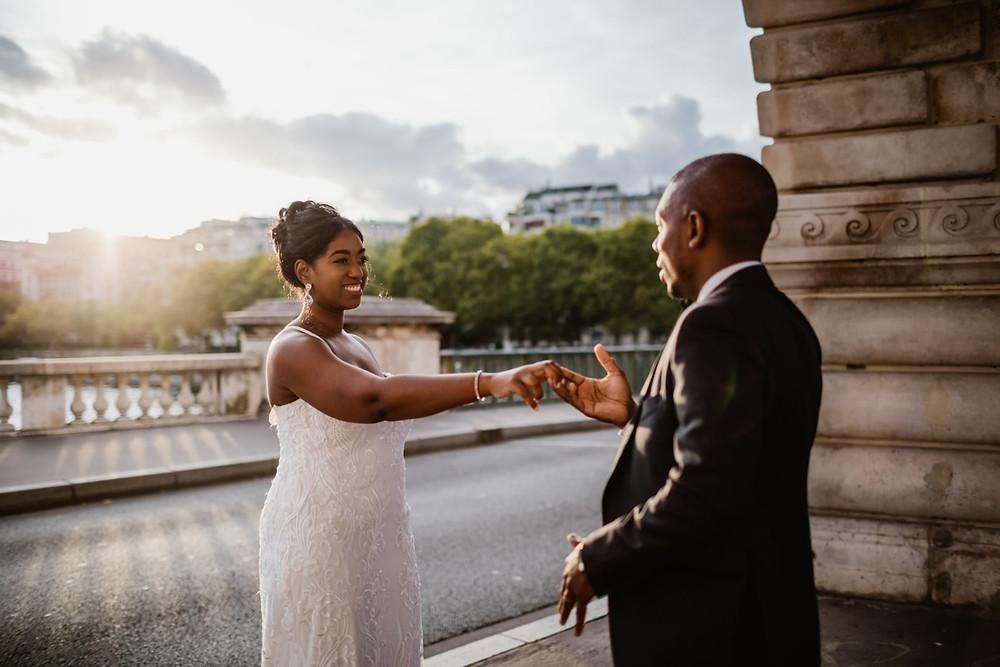 Photographe mariage Paris - couple au coucher du soleil