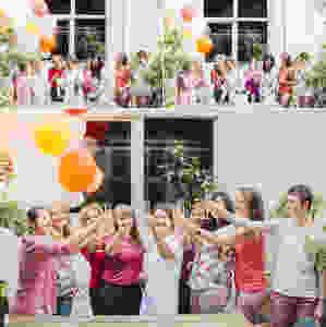 Paris séance photo EVJF colorée champagne et ballons