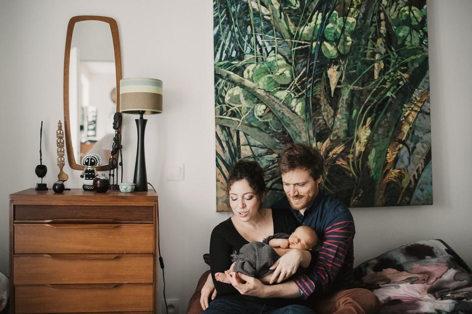photographe nouveau-né lifestyle Paris 12 - séance photo naissance domicile déco urban jungle