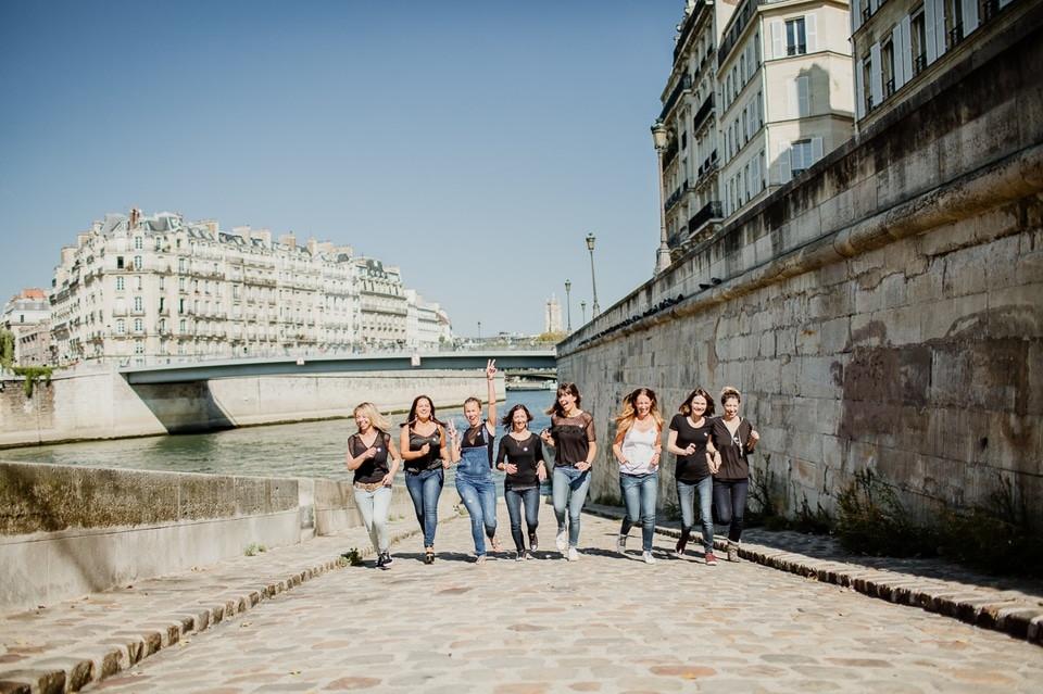 séance photo evjf paris île de la cité course à pieds