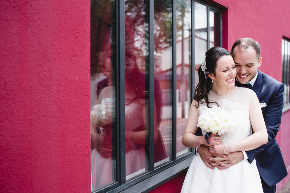 photo mariage Villa 9 Trois Montreuil couple dans les rues