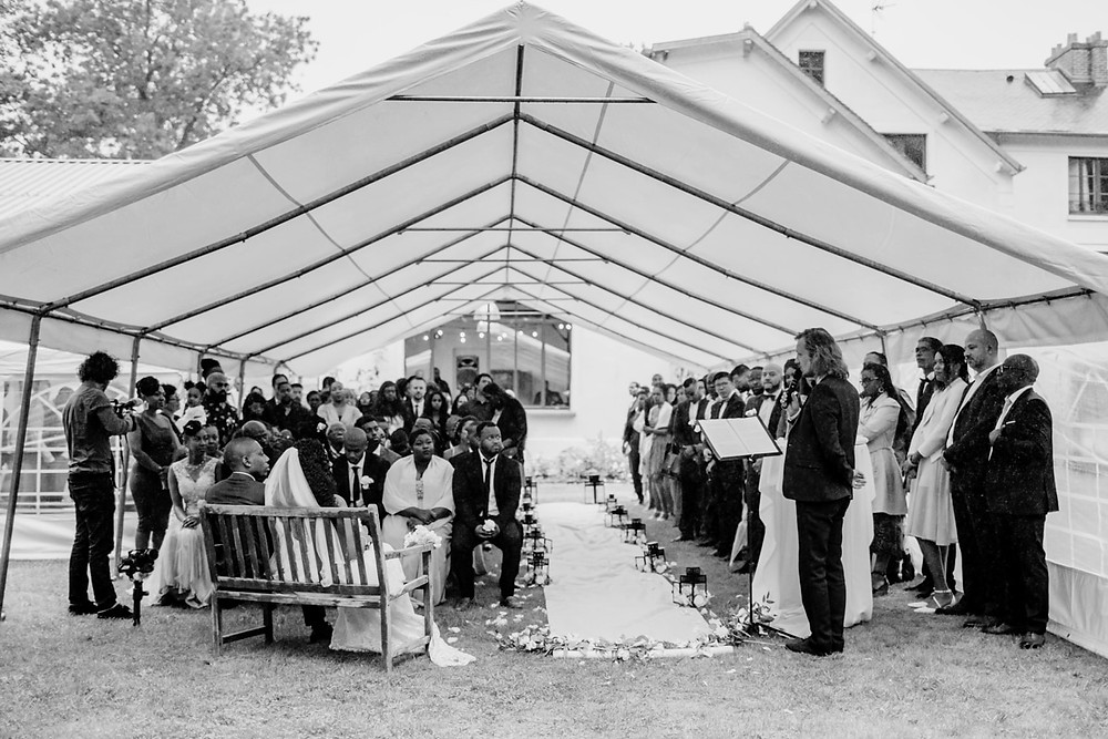 Photographe mariage Paris - Cérémonie laïque sous tente