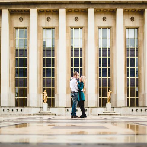 Demande en mariage à la Tour Eiffel (photographe couple Paris)