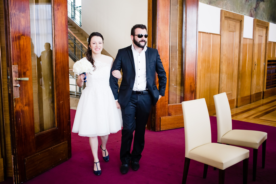 Photo mariage Montreuil entrée mairie