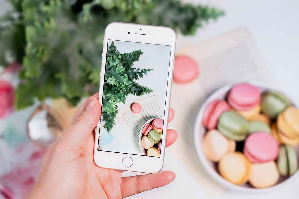 Want to take beautiful, captivating pictures of food? Read the Guide How to take better Food Travel Aeshetic Photography here. Improve your photography skills today.