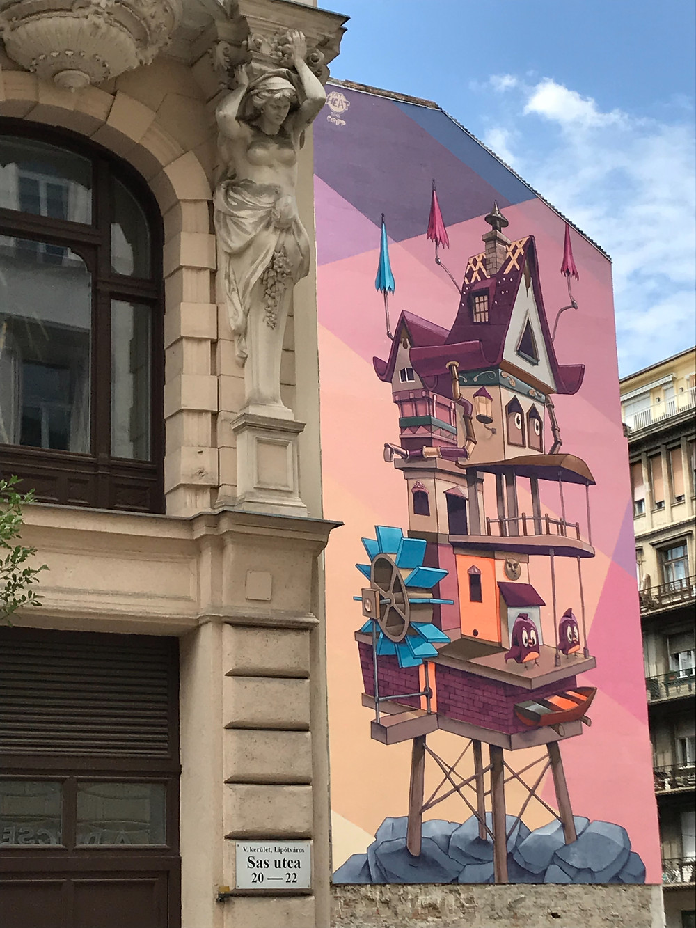 Amazing Mural Painting in Budapest: Living Space | Artist: Fat Heat and Bea Pántya | Location: Arany János/ Sas utca 20-22