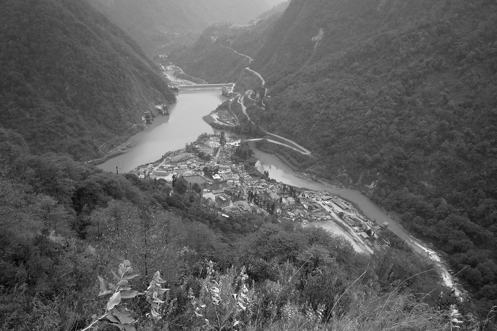 The town of Chungthang in North Sikkim which sits on the banks of Teesta III HEP reservoir. Photo: Kunga Tashi Lepcha