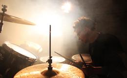 Drum the mist