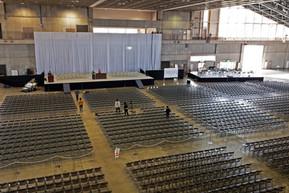 卒業式:ステージ・椅子