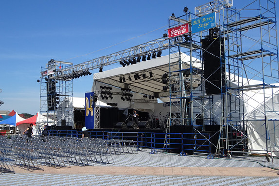 野外大型ステージ
