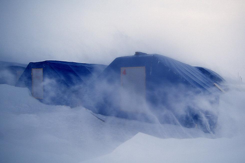 Tente-Pole-Nord-Stéphane-Compoint-2007.j