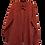 Thumbnail: Rote schattierende Bluse. Mit Goldknöpfen