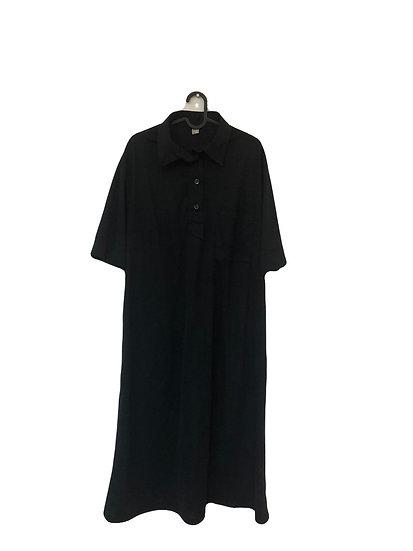 Schwarzes Kleid, gefüttert