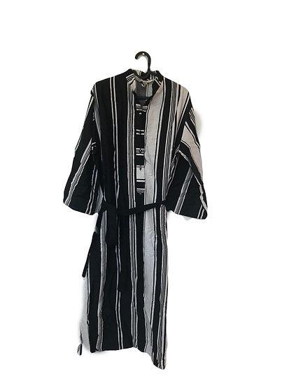 Schwarz/weiss gestreiftes Kleid mit Knöpfen