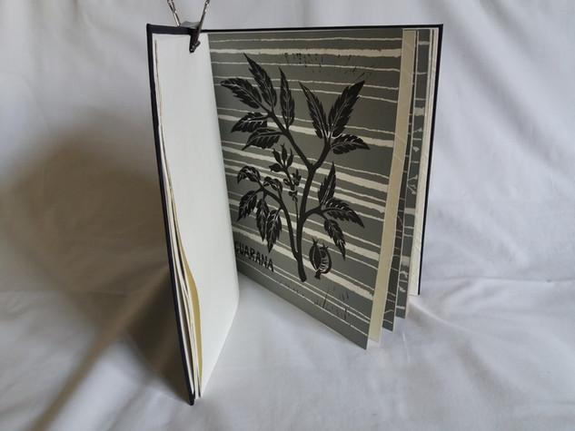 Livre Tramas (Trames) -23 x 23 cm