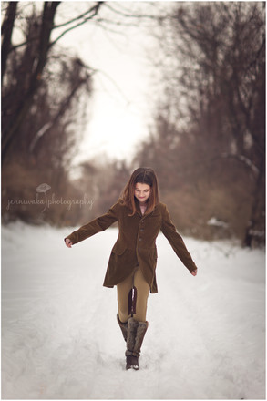 Hudson Valley Teen Photographer | Francesca's Snowy Session
