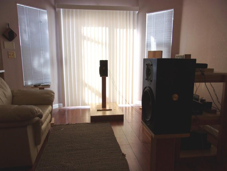 MGA Speakers 0d497a_cb173b6fdfe04c13a7e34c76d12286f1~mv2