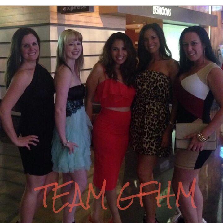 Facebook - Some of the TeamGFHM Crew in Vegas Babyyyy Liz Nisbet Bee Megan Naylo