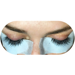 Feathered Volume Lashes