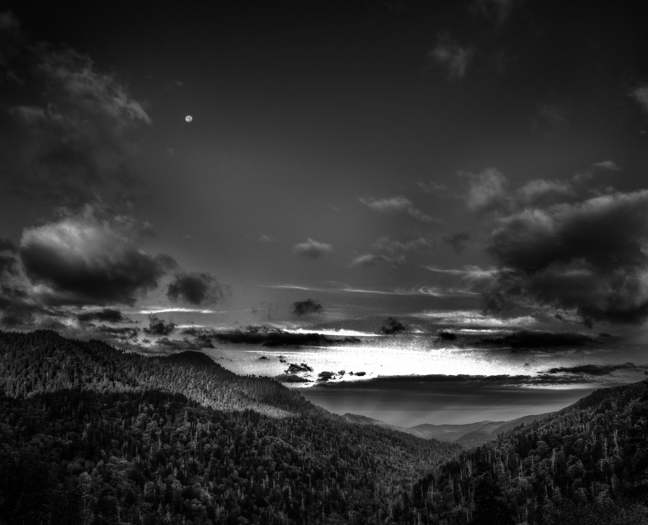 Newfound Gap Sunrise Moon