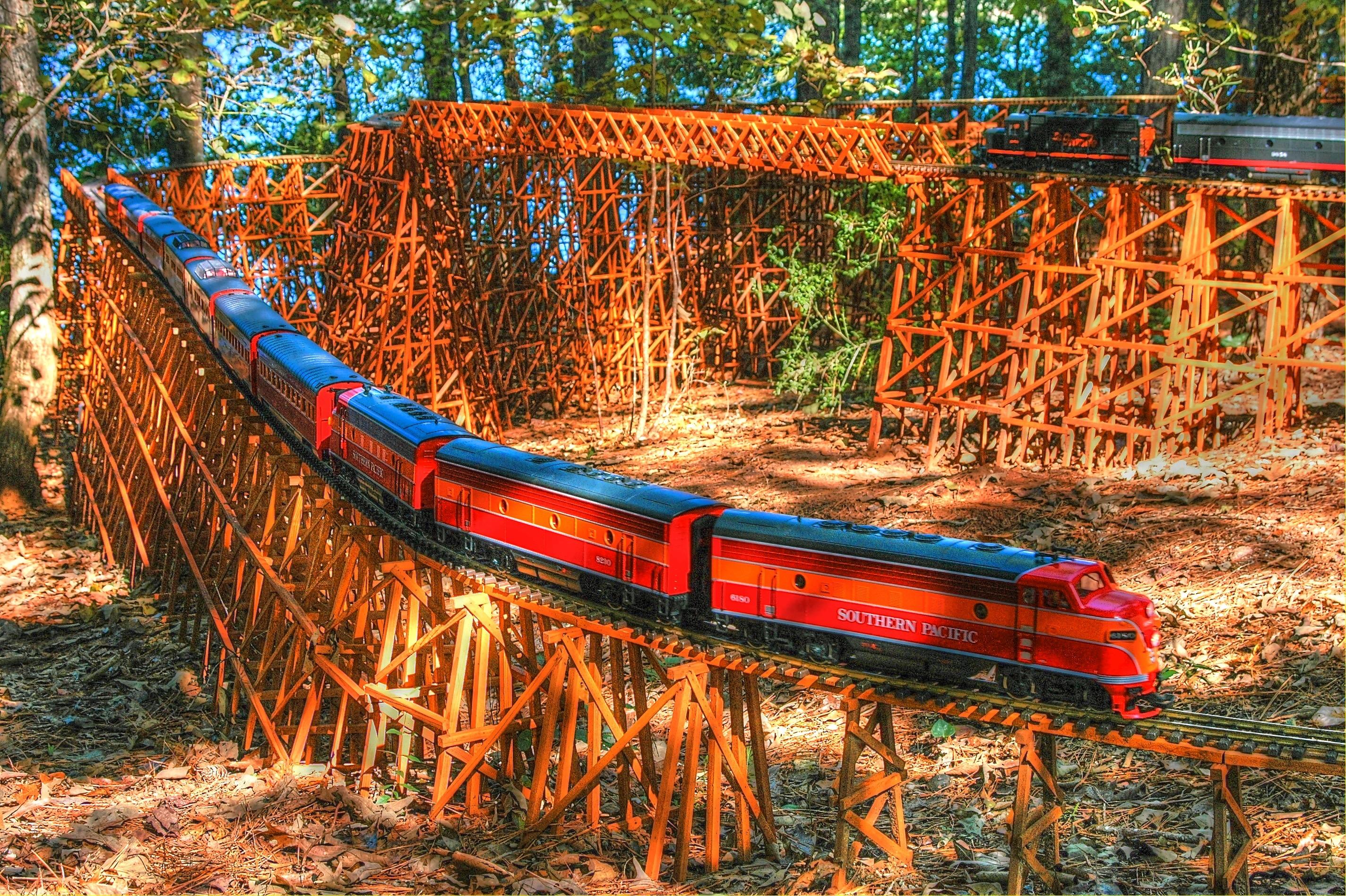 -Garden-Texture Trestle/Bridge