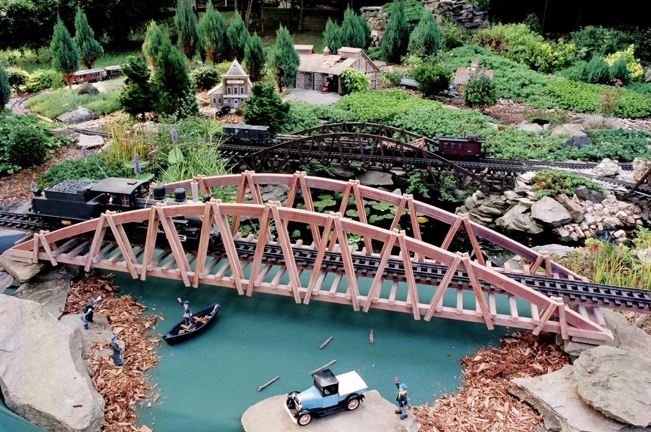"""-Garden-Texture 65""""Arch Bridge"""