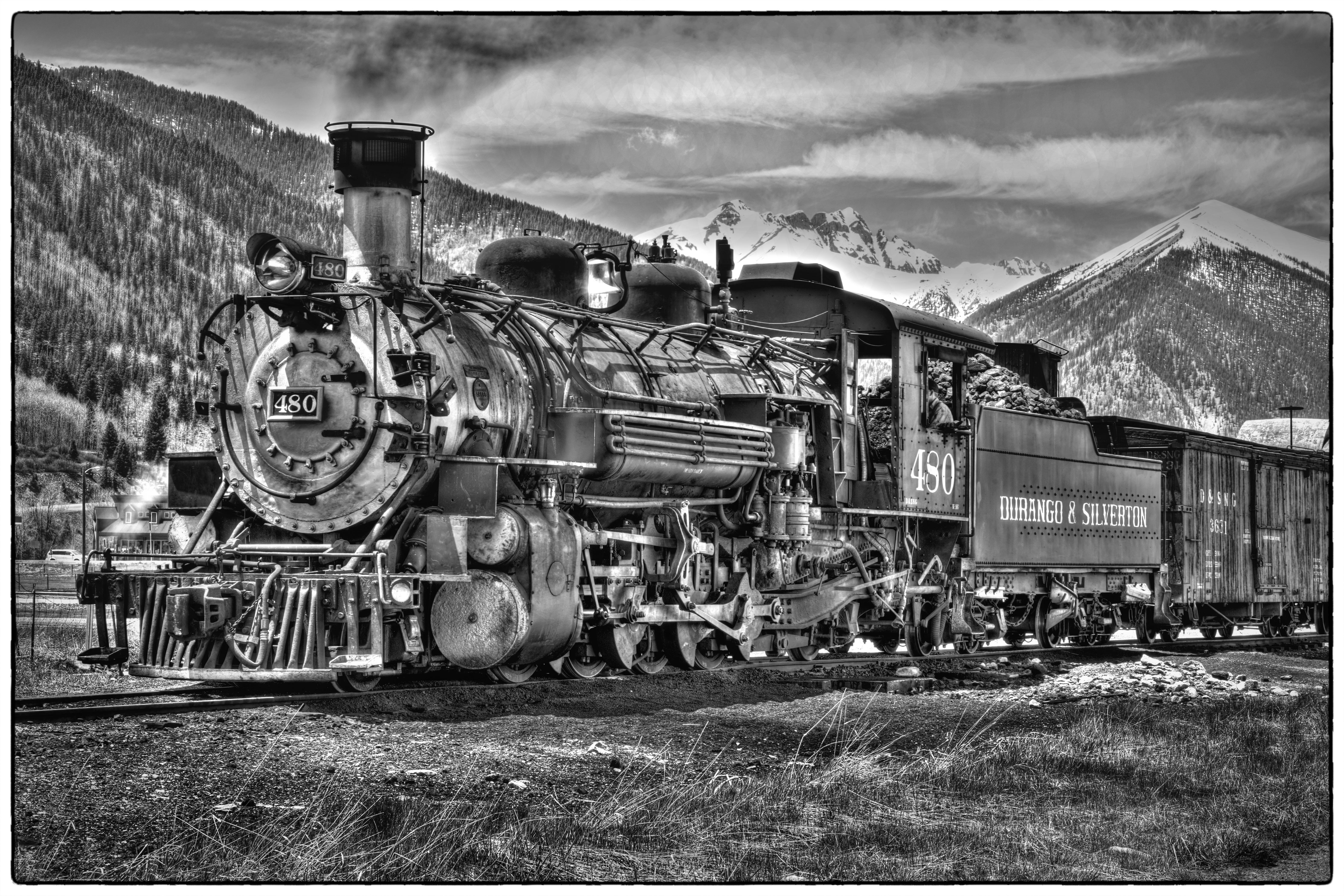 Silverton Engine 480 Monochrome