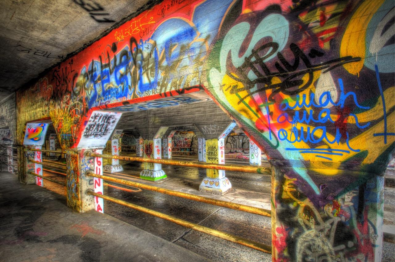 """Krog Street Tunnel"