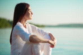 CORPS en main propose une approche ostéopathique combinée une thérapie de relation d'aide toute indiquée pour une personne faisant de la somatisation.