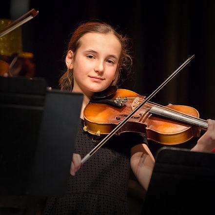 L'école Anne-Hélène Chevrette offre des cours de violon pour enfant, adolescent et adulte.