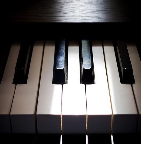 Hélène Tysman : pianiste et coach en hypnose