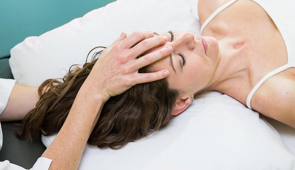 EQUILIBRE BIOMECANIQUE - OSTEOPATHIE - CORPS EN MAIN