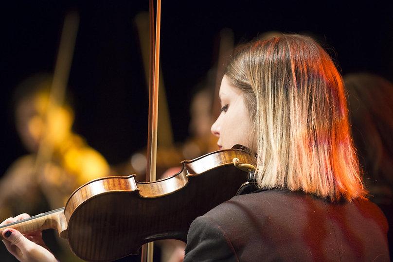 Ecole-de-violon-AHC_Claude-Amar-violon.j