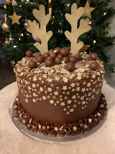 Chocolate reindeer festive cake